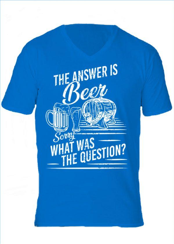 Férfi V nyakú póló The answer is beer királykék